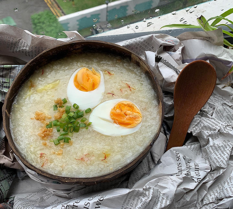 Arroz Caldo with boiled eggs & saffron