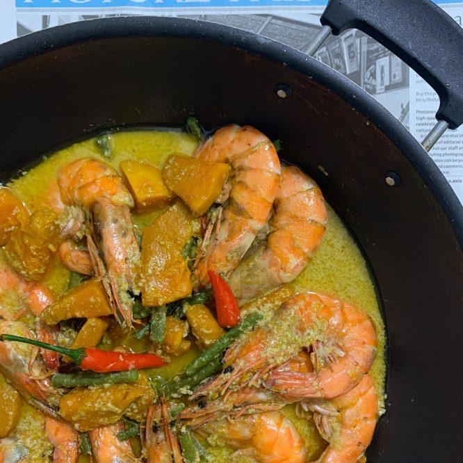 Ginataang Kalabasa with Shrimp, Steamed Fish and Potong Coconut