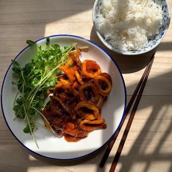 stir fry squid in gochujang paste