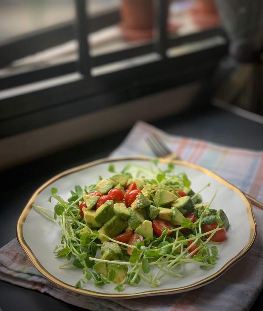 Organic pea sprouts & Avocado salad