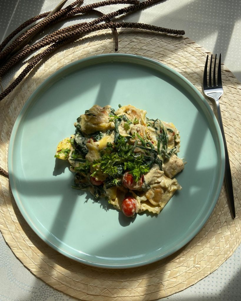 Three-Cheese Ravioli Pasta with Spinach - House of Hazelknots