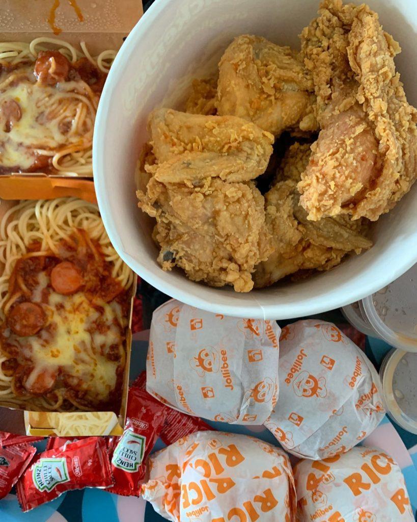 Pinoy Food - Jollibee Spaghetti  and Chicken Joy