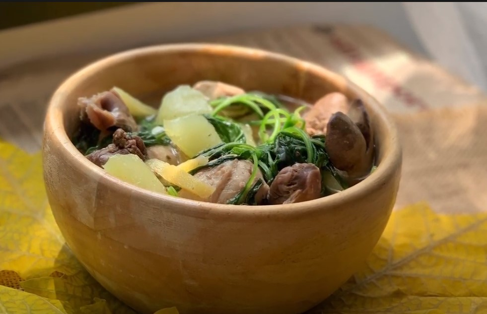Pinoy Dish - Chicken Tinola with Chicken Liver & Gizzards - House of Hazelknots