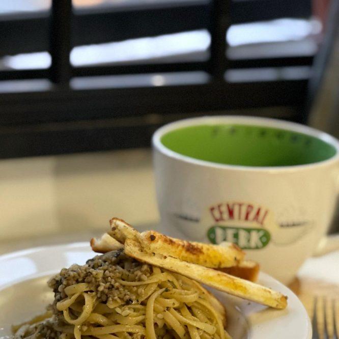 Pesto Pasta, Garlic Bread and Honey Citron Tea - House of Hazelknots