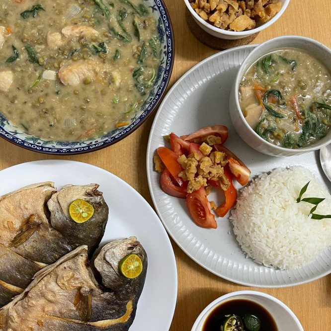 Munggo (mung bean) with Spinach, Fried Pomfret and Chicharon - House of Hazelknots