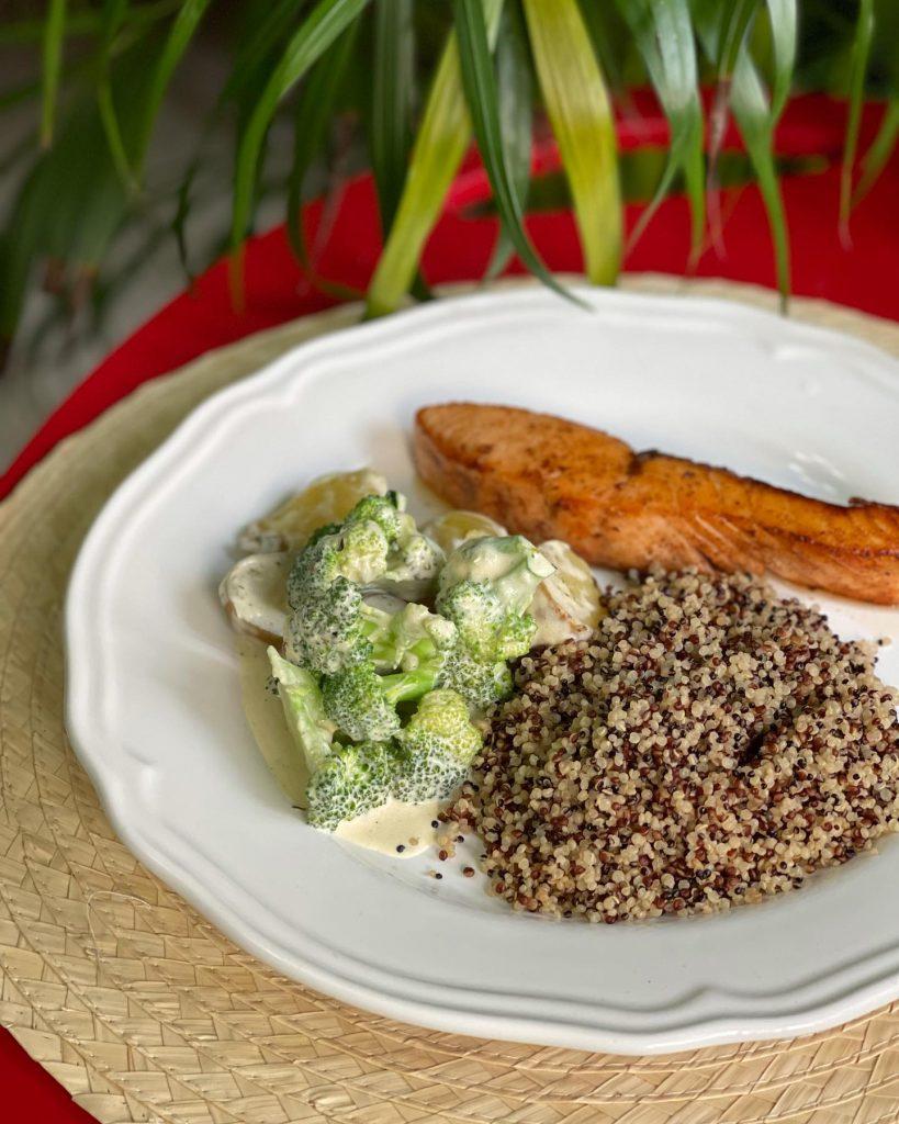 Creamy garlic baby potatoes with broccoli , salmon and quinoa
